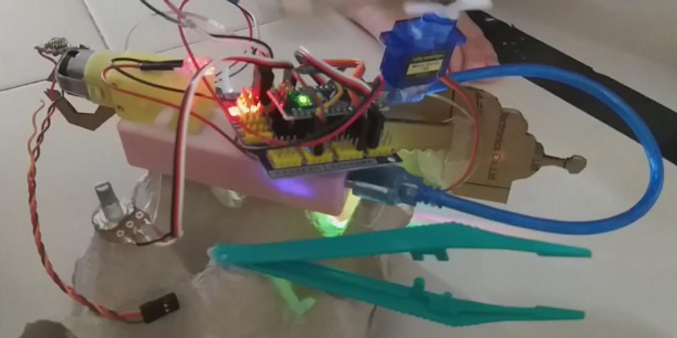 סדנת רובוטיקה מחומרים ממוחזרים להורים ולילדים (1)