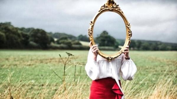 Hvem er du et speilbilde av?
