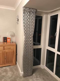 Cartridge headed - Floor length - Sitting Room
