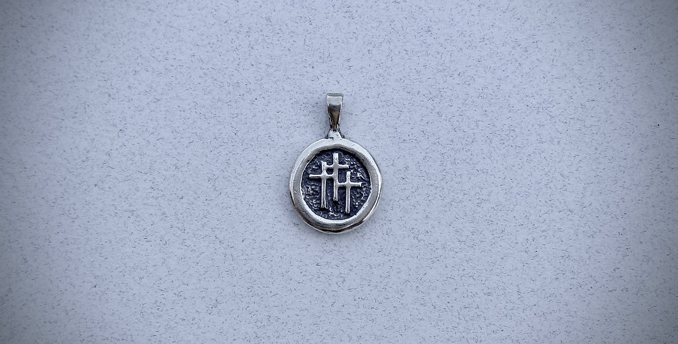 Small 3 Crosses pendant in sterling silver