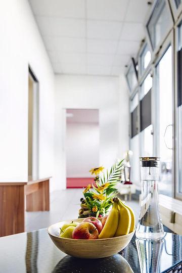 Sitzgelegenheiten-und-Obst.jpg
