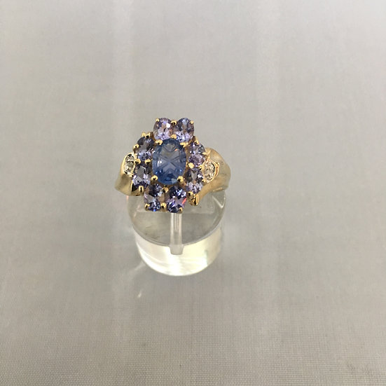 Oval Shape Tanzanite Yellow Gold Gemstone Ring w/ 2 Small Diamonds