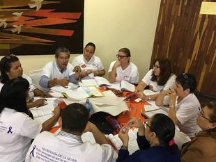 Secretaría de la Mujer continúa capacitando sobre la implementación del libro de Español