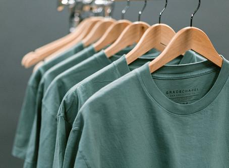 ジーンズに合わせたいTシャツスタイル