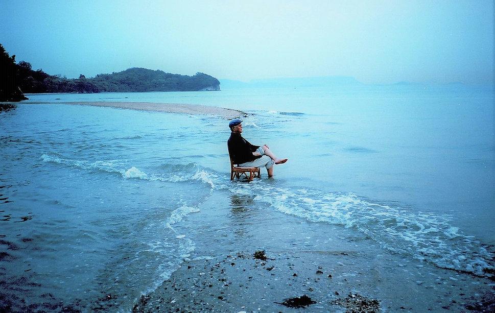 小豆島・椅子に座って060621.jpg