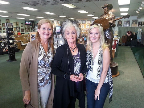 Noreen, Joanne Cash, Holly Graham