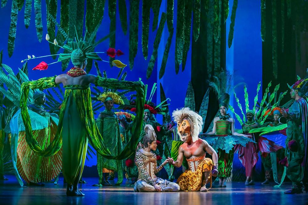 Josslynn Hlenti (Nala), Dashaun Young (Simba) and the company in Disney's The Lion King UK & Ireland tour -® Disney