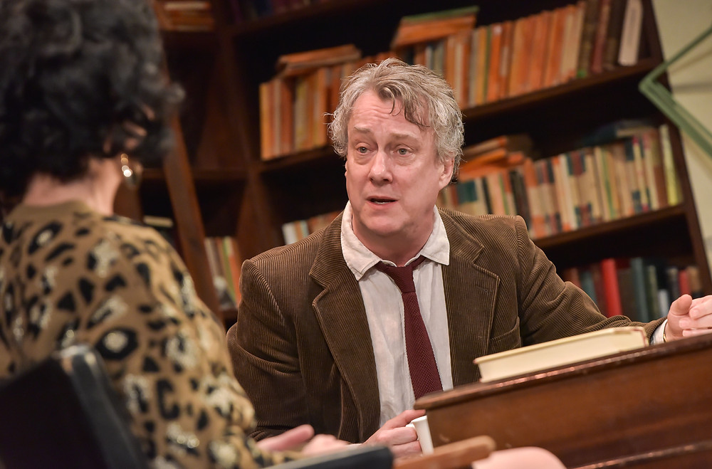 Educating Rita - Stephen Tompkinson as Frank - Photo credit Robert Day - (4)