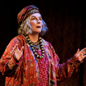 Blithe Spirit – Theatre Royal Bath REVIEW