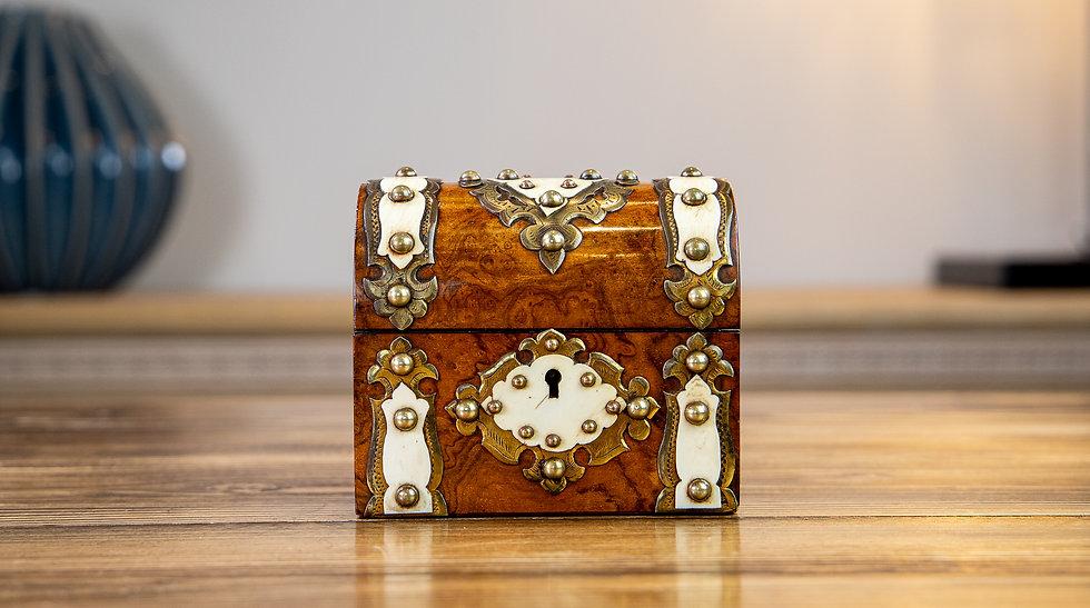 Burr Walnut Perfume Box 1870