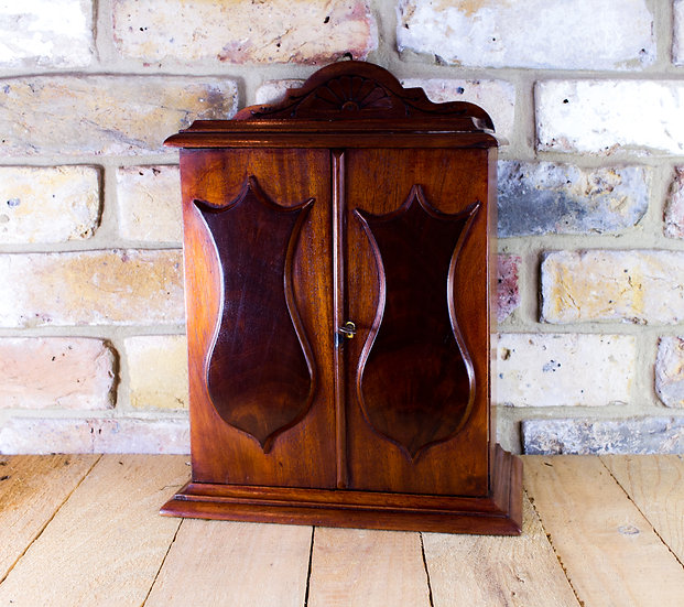 Flamed Mahogany Collectors Cabinet c.1860