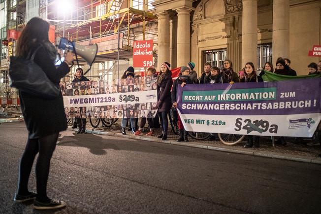 """Berlin 19.12.2018 """"Weg mit 219a"""""""