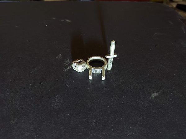 sword in the skull ring 3.jpg