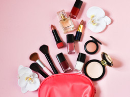 7 Products, 10 Minutes: Quick & Easy Makeup Tips for Busy Moms