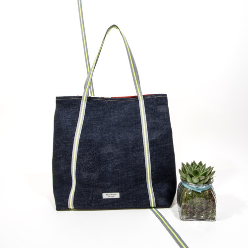 Sacura Tote Back View