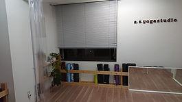 スタジオ窓2.JPG