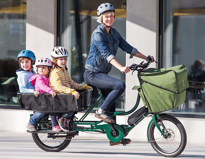 "E-Bicicapace (""beechee capachey"") | Justlong cargo bike"