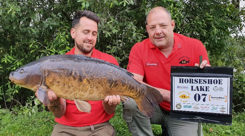 Peg 7 - Jon Button with a scaley mirror