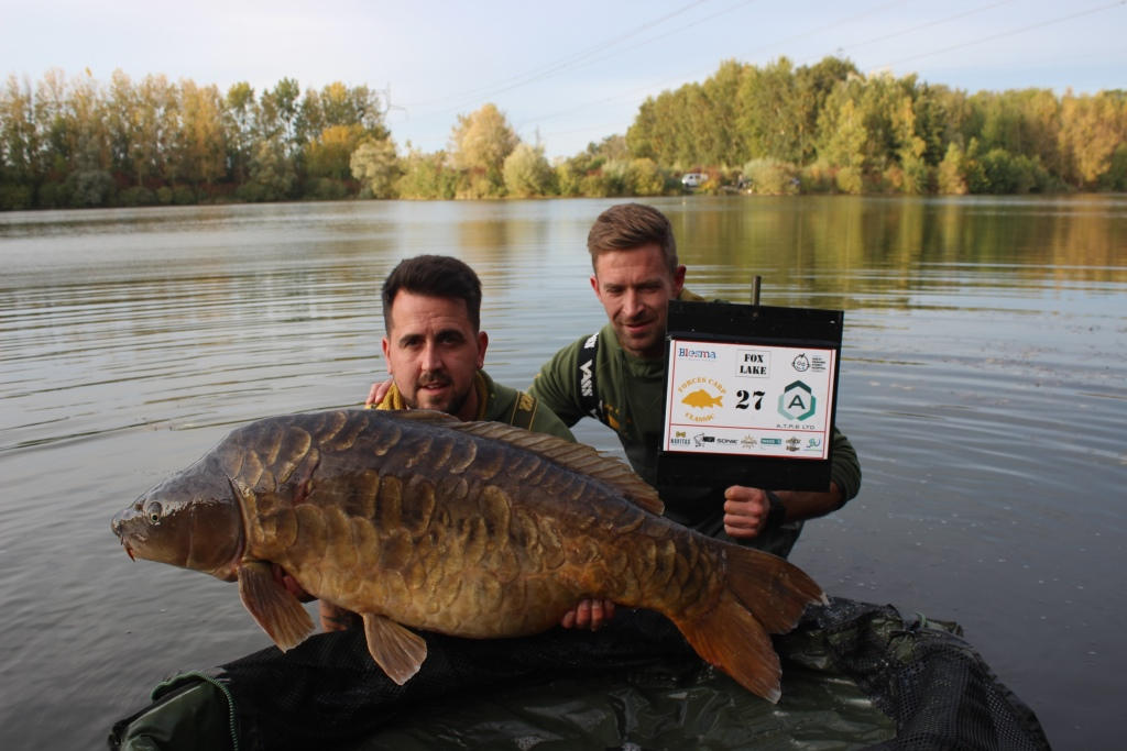 32. A stunning mirror of 53.01 - Jon Button .JPG