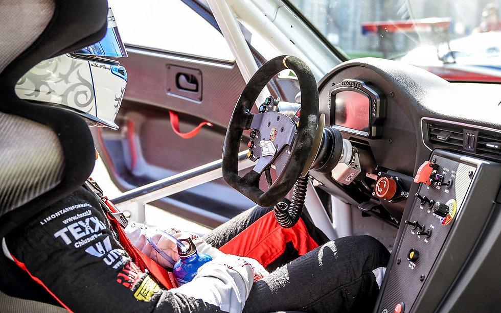 Cockpit 11.jpg