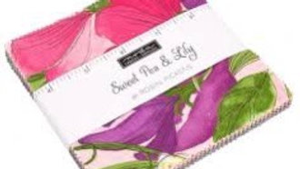 Sweet Pea & Lilly Charm Pack ROBIN PICKENS Moda