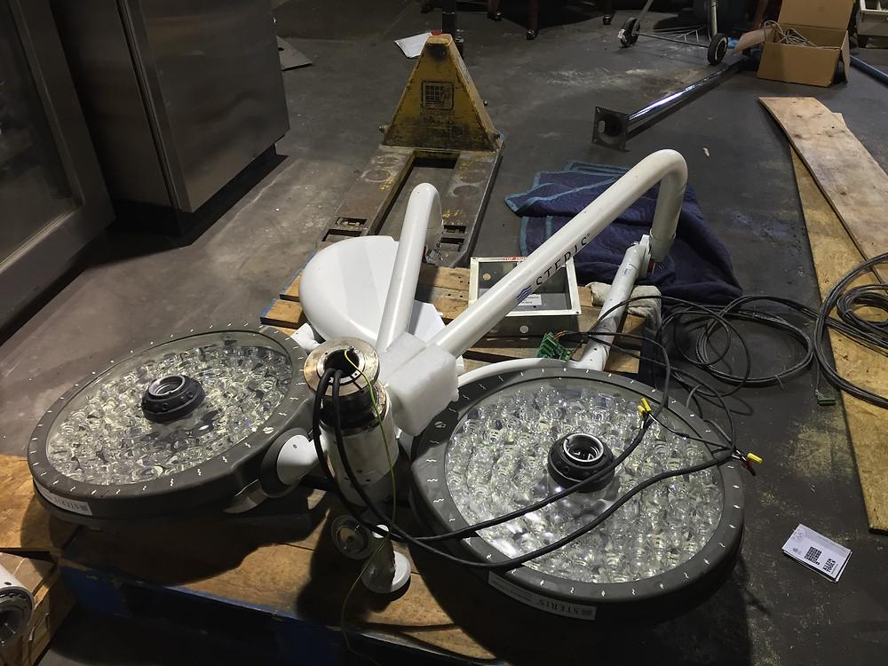 Surgical Light Amsco SQ240 equipment medical