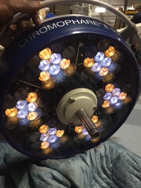 equipment surgical lights chromophare E 558 and E 668