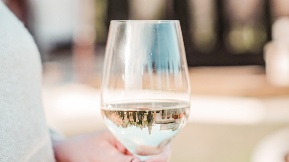 5 Things You Can't Forget to Bring Wine Tasting