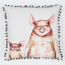two-piggies-in-a-row_122.jpg