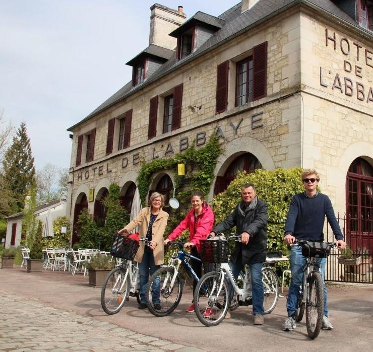 hotel abbaye longpont location de vélos electriques