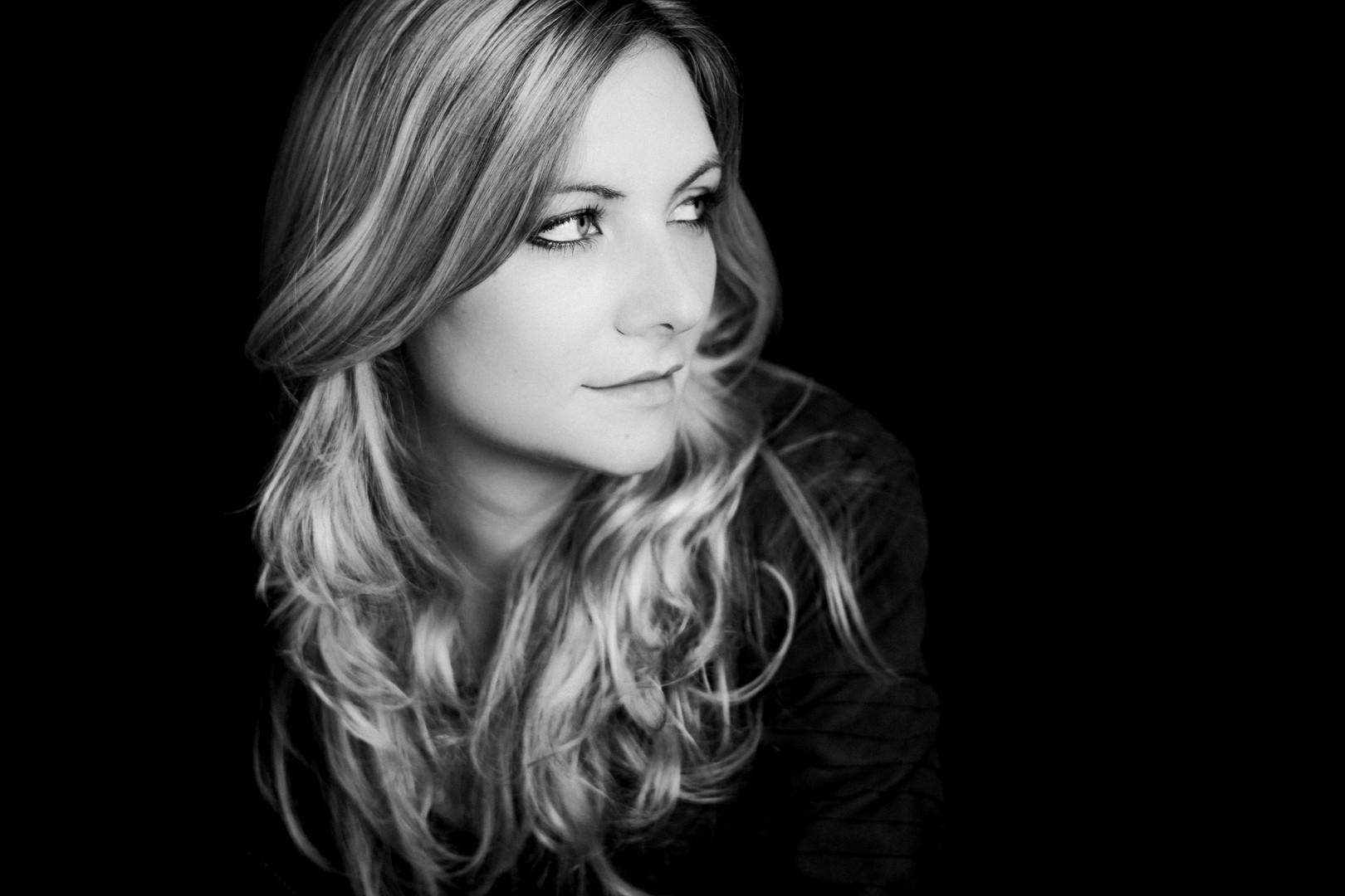 Einzelportrait black and white