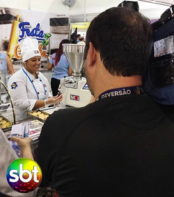 Começamos a #FeiraDoEmpreendedor com o pé direito! A dosadora Multi Festa foi destaque no _sbtonline