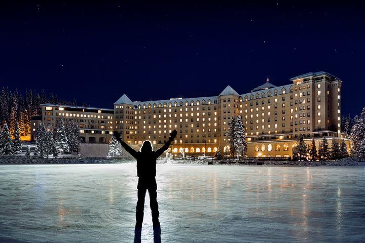 Night Fairmont Chateau Lake Louise
