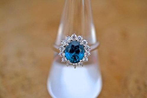 4.35ct ブルージルコンとダイアモンドの指輪 18k