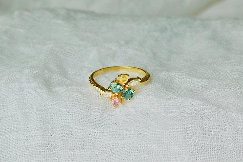 ファンシーサファイアの花束 18K 指輪