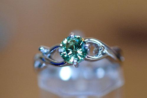 ナミビア産 0.65ct 天然デマントイドガーネット 指輪