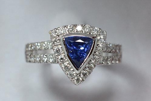 1ct サファイアとダイアモンドリング
