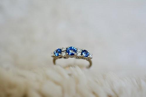 ブルーサファイアとダイアモンドのリング 18k