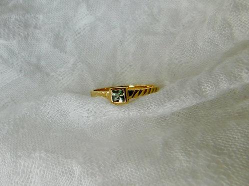グリーンサファイアの指輪 18k