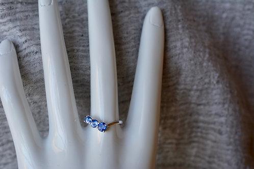 ブルーサファイアのトリロジー 指輪