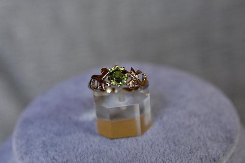 0.9ct デマントイドガーネット 指輪