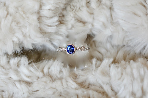 0.92ct ブルーサファイアとダイアモンドの指輪 1