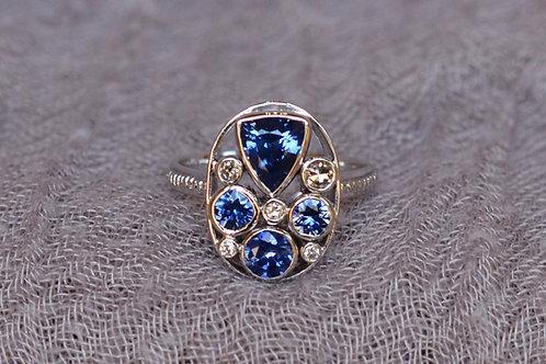 ブルーサファイアとダイヤモンドの指輪 18k