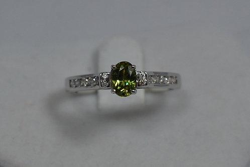 デマントイドガーネットとダイアモンドの指輪