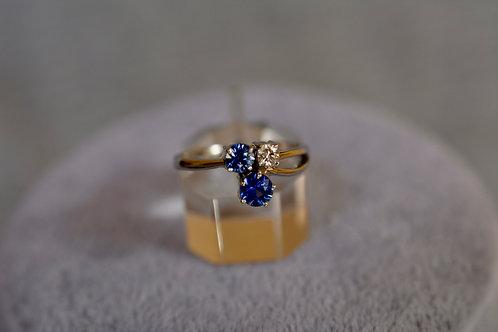 ブルーサファイアとダイアモンドの指輪