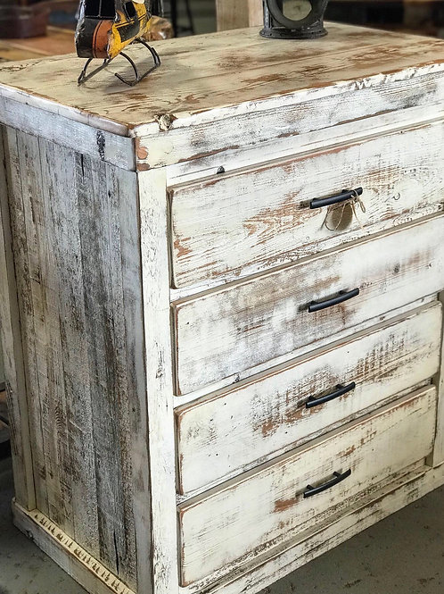 4-Drawer Farmhouse Dresser