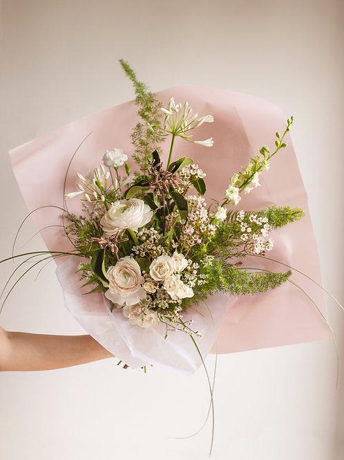 Romantic Signature Bouquet