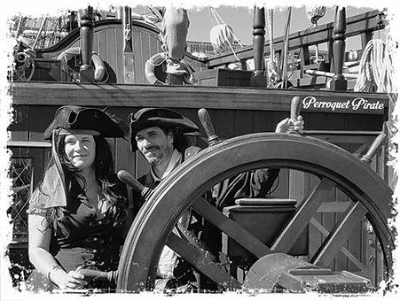 Les Propriétaires Perroqet Pirate