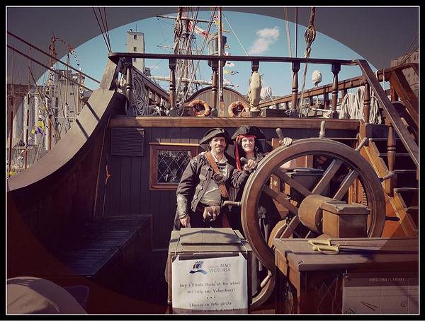 Les propriétaires de Perroquet Pirate