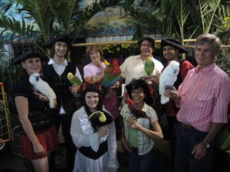 L'Éclaireur Progrès aux Serres Bégin avec Perroquet Pirate